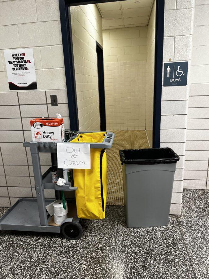 HC+boys+bathroom+out+of+order+on+September+19%2C+2021.